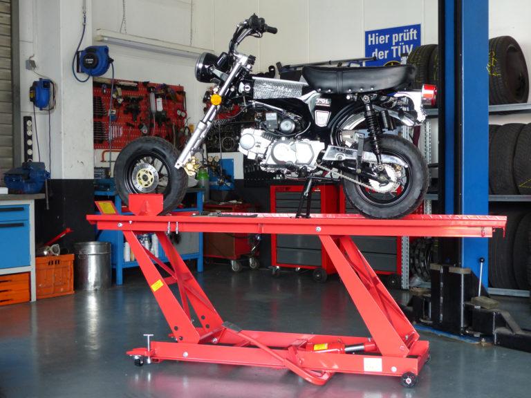 TSS-Bikes Skyteam Werkstatt